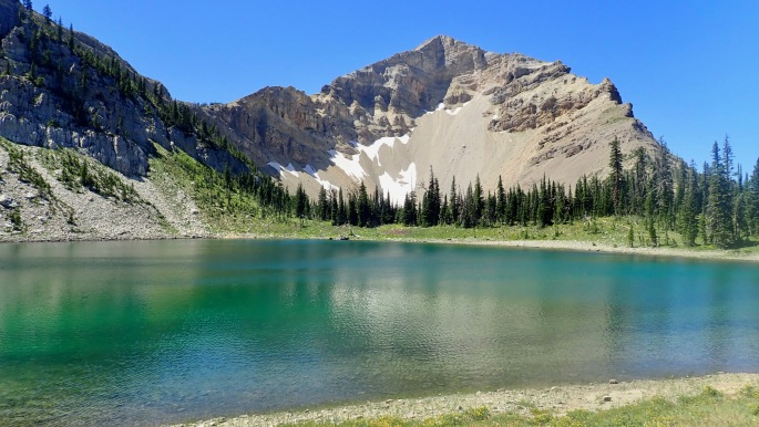 The Bob does not have very many lakes, but it has some gems, such as Dean Lake.
