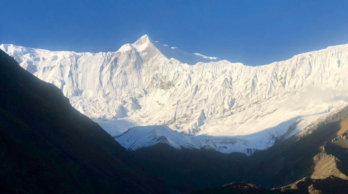 Crystal clear morning view of Annapurna I